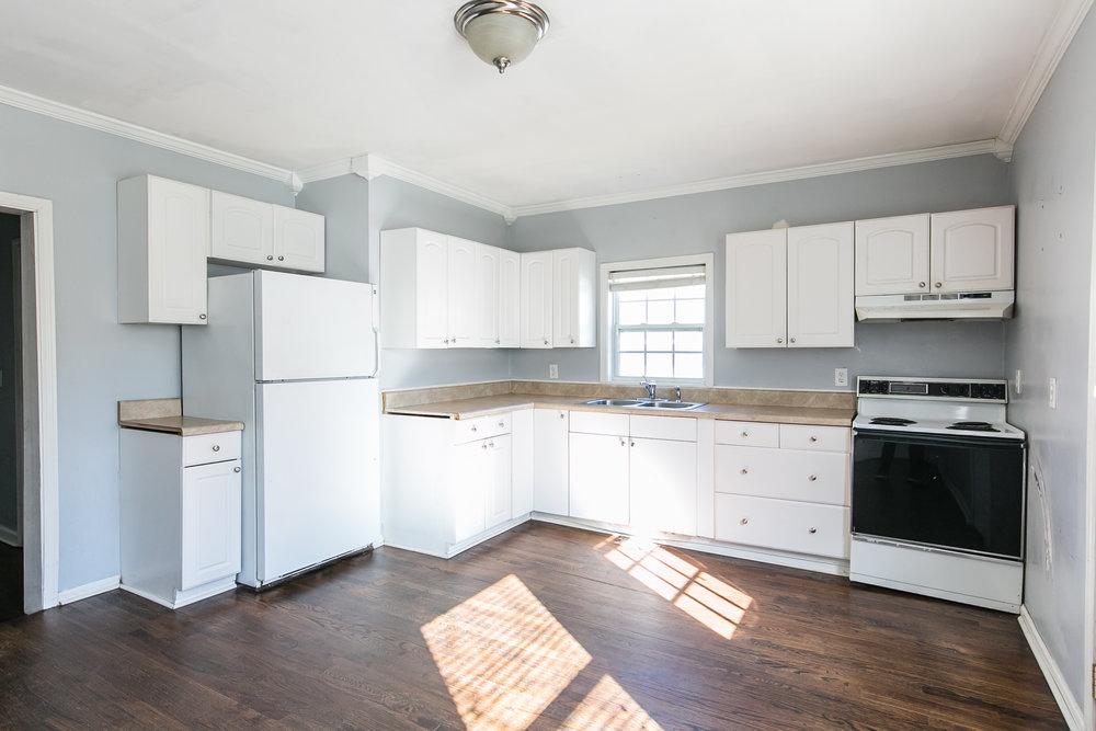 11 Montgomery-Kitchen 1.jpg
