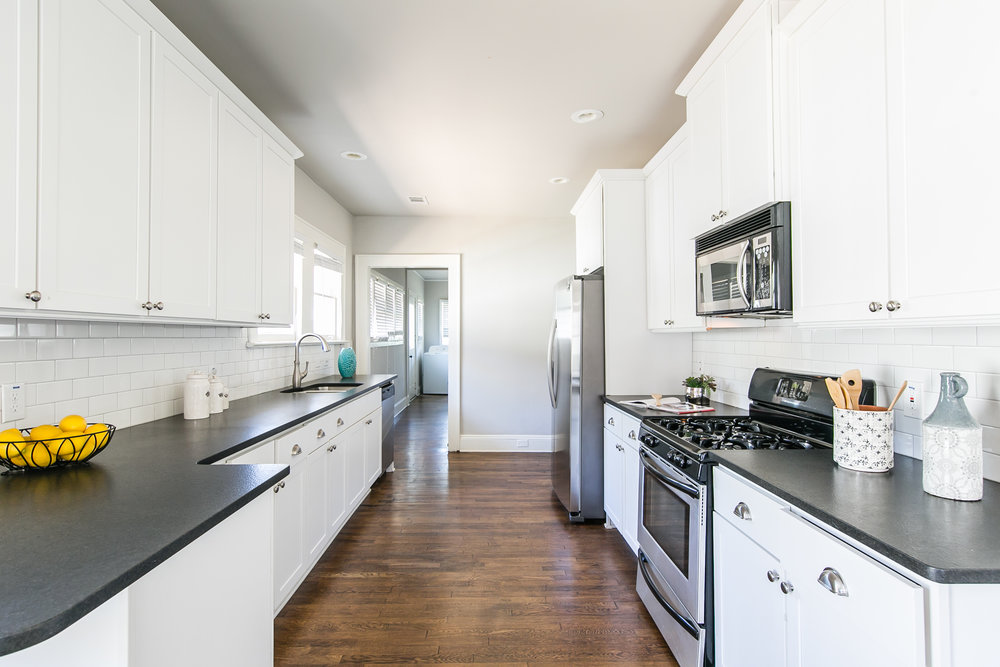 372 Morgan Place-Kitchen 3.jpg