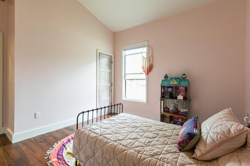 22 Clay-Bed 1a.jpg