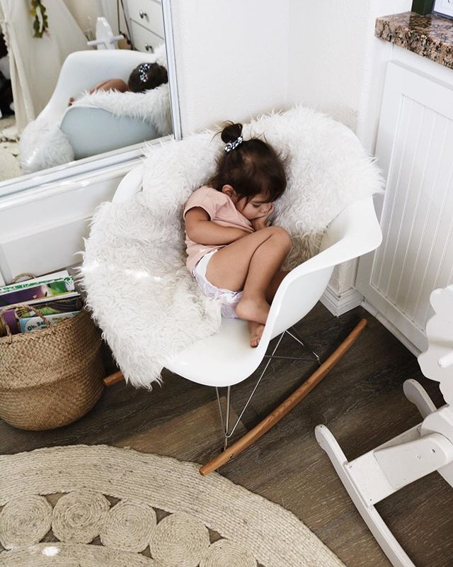 she insists on sitting next to me on the rocking chair instead of on my lap, and although I'm hanging on for dear life until she falls asleep, at least she's comfortable 🤷��♀� #everjoysleeps #everinherroom #candidslumber #candidchildhood #childrenofig #littleandbrave