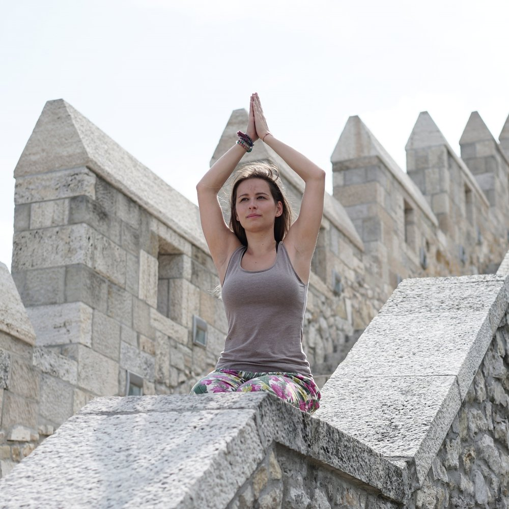 haladó jóga