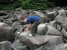 220px-Ringing_Rocks
