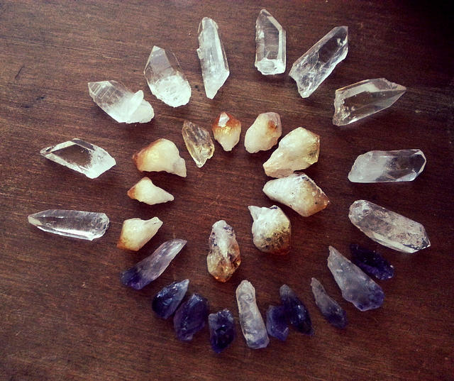 healing-crystal-circle.jpg