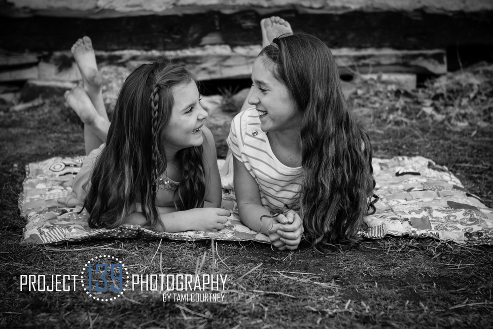 Child and family photographer located in the Denver and Evergreen, Colorado area. Specializing in family, child, newborn and headshot photography.