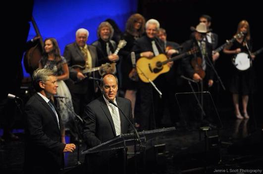 Eric & Leigh co-host 2015 IBMA Awards Show