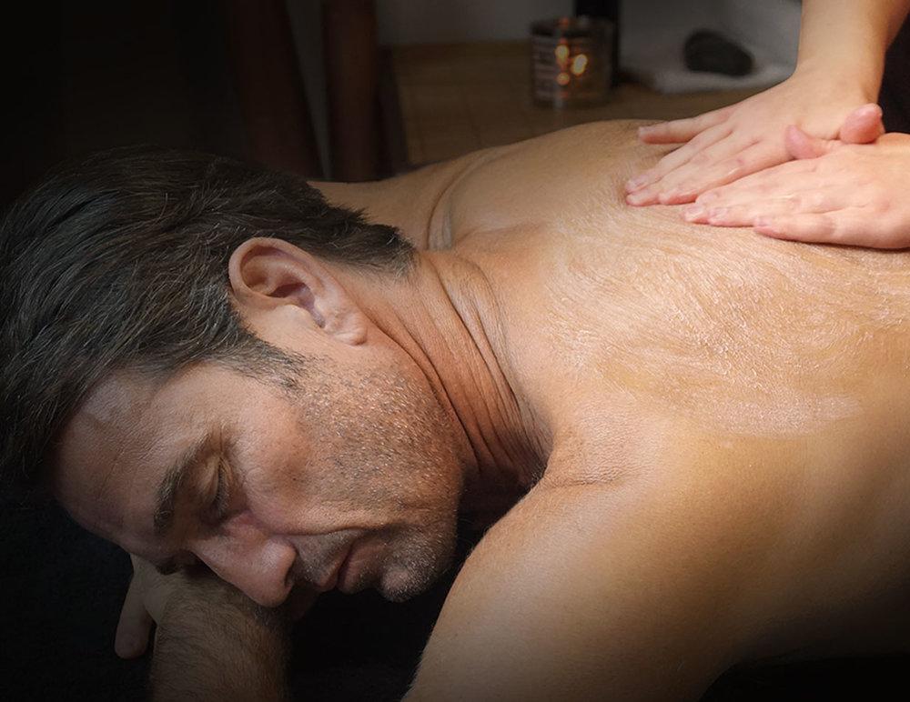 Soin du corps - Retrouvez une peau douce, assainie et bien hydratée pendant un vrai moment d'évasion.Les étapes du soin-Gommage purifiant,nourrissant et oxygénant 1/2 H-Modelage du corps 1/2H