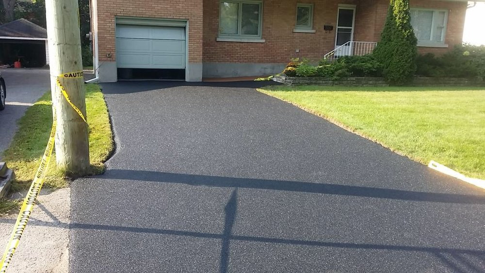 Driveway in solid black