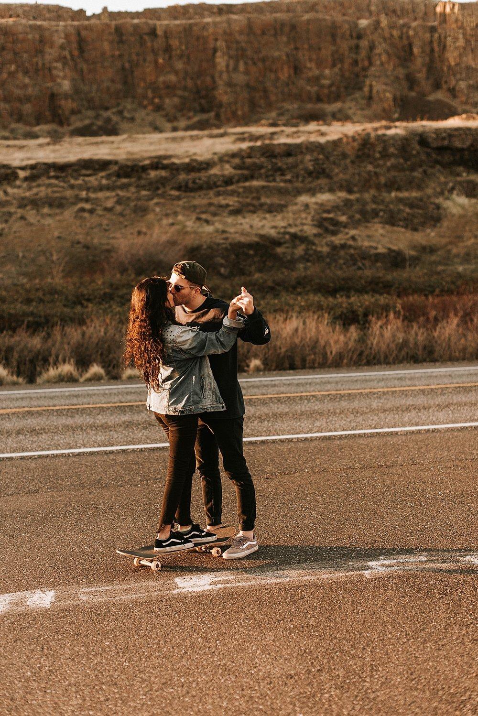 nbp-edgy-skater-couple_0002.jpg