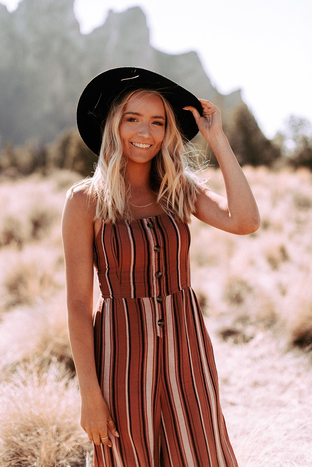 desert boho senior session_0001.jpg
