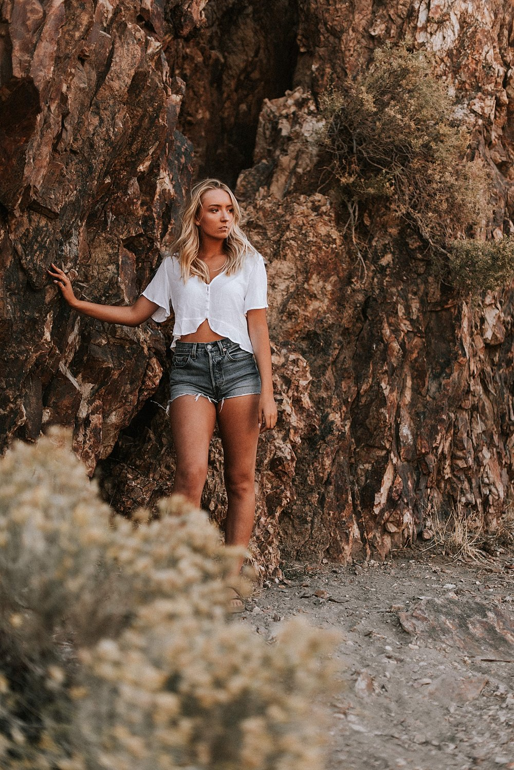 desert boho senior session_0035.jpg