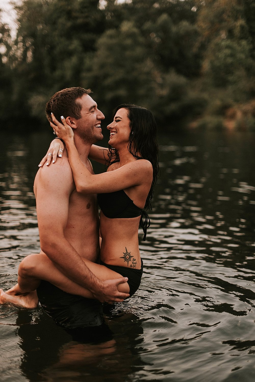 steamy summer river couple session_0015.jpg