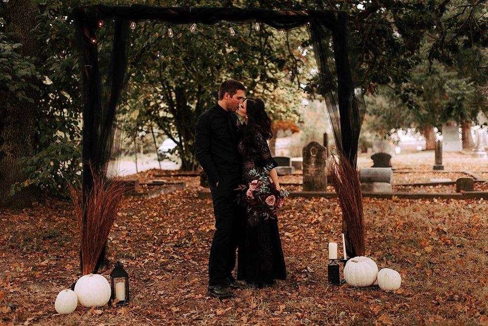 moody halloween elopement_0006.jpg