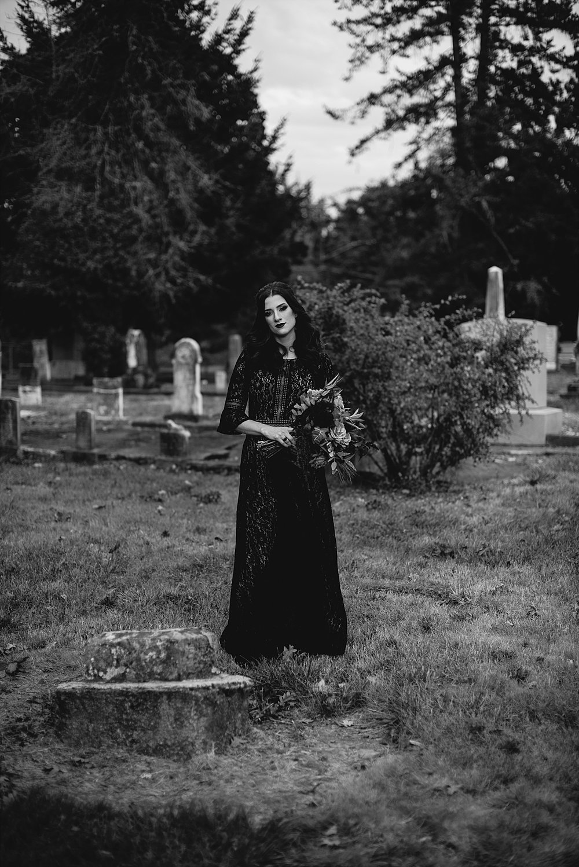 moody halloween elopement_0021.jpg