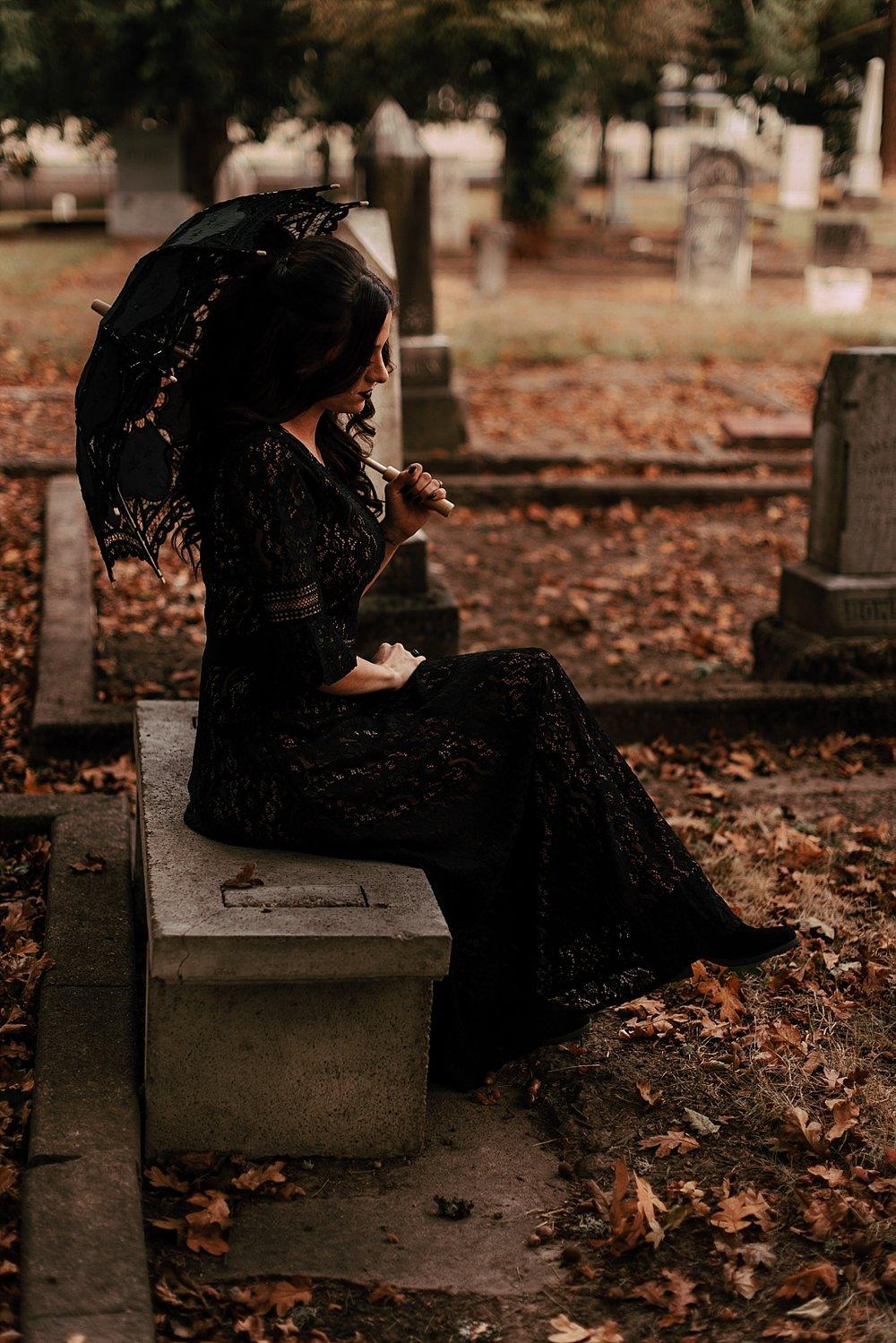 moody halloween elopement_0024.jpg