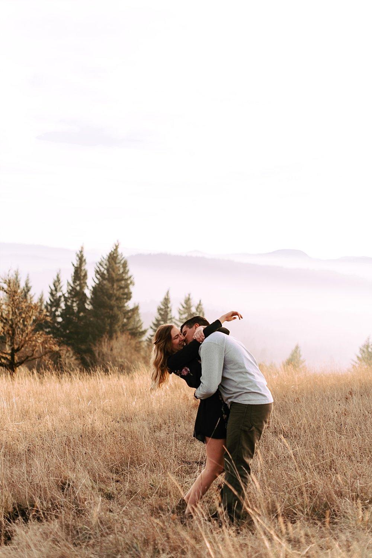 hillside couple session_0003.jpg
