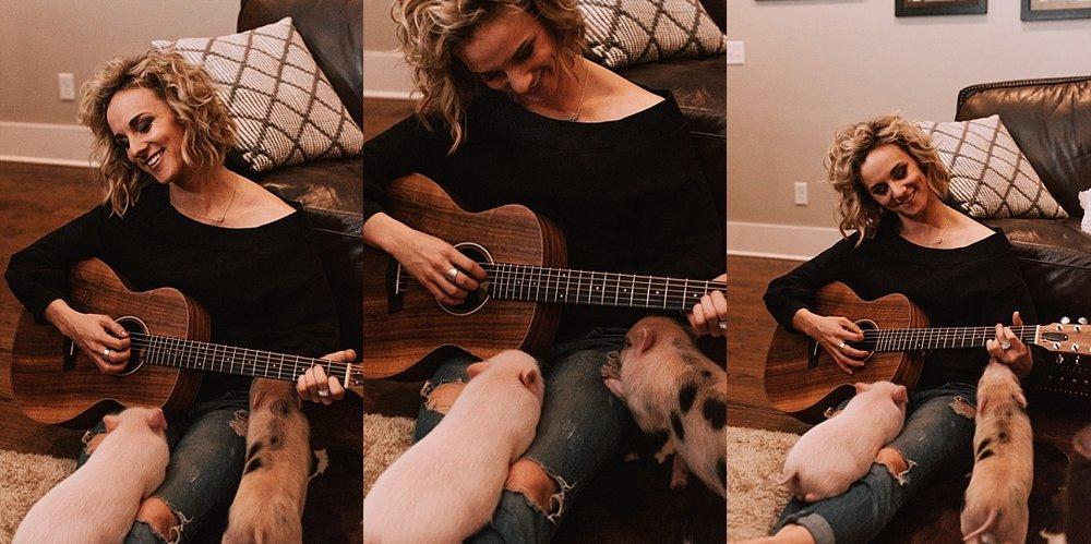 cozy playful nashville in home session_0060.jpg