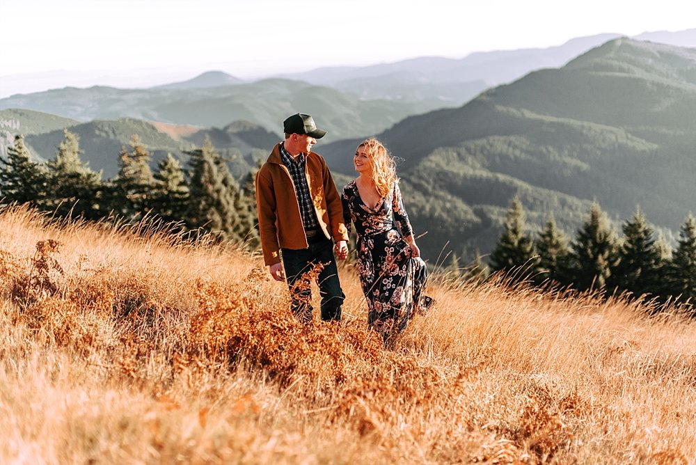 windy hillside engagement session_0014.jpg