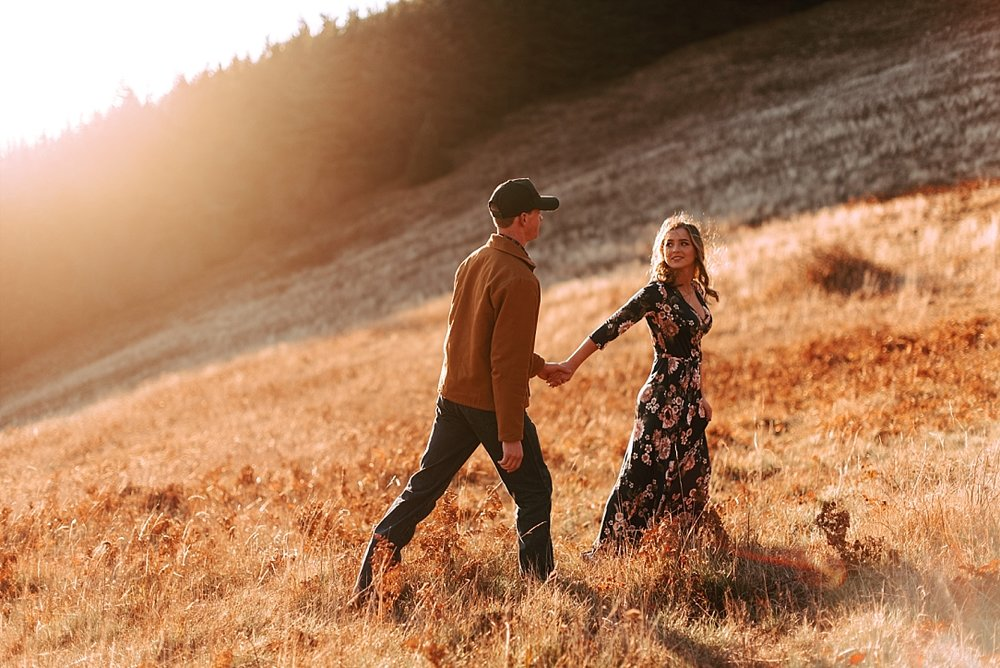 windy hillside engagement session_0018.jpg
