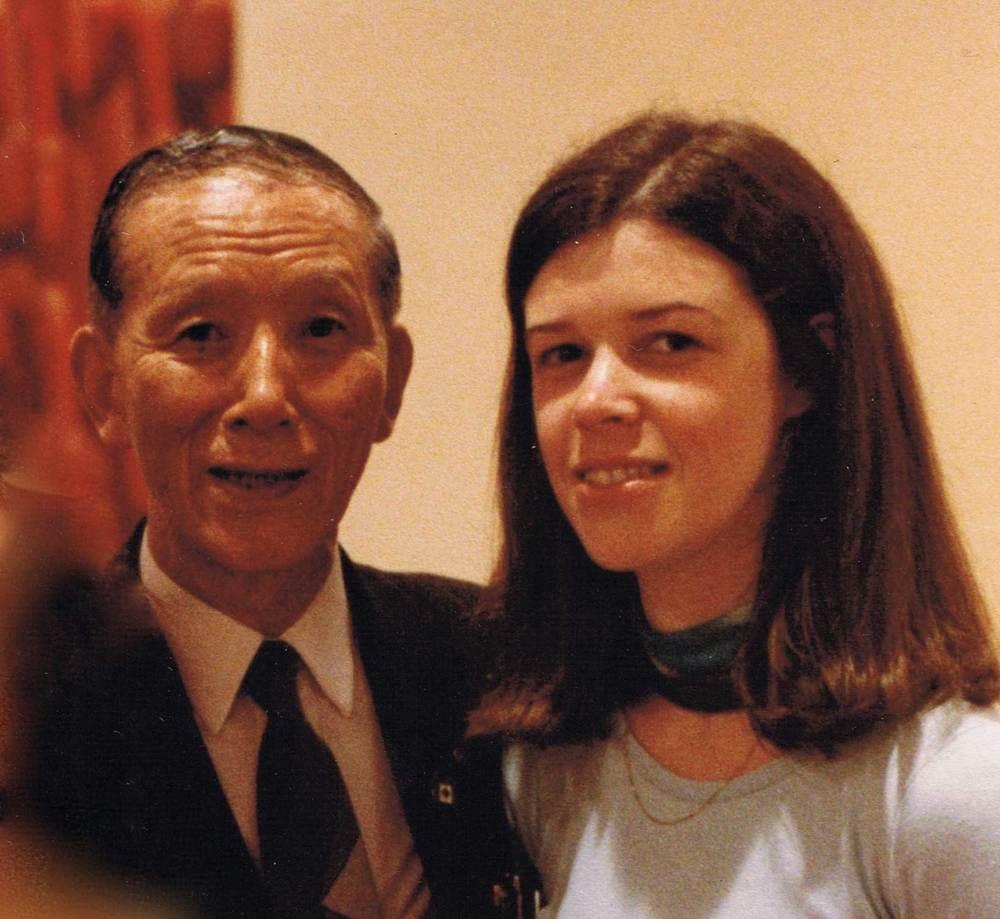 Joanne avec le Dr Suzuki à la Suzuki World Convention, Edmonton Canada, 1985