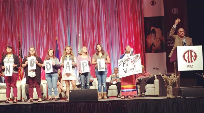 2016 National Indian Education Association- Youth Ambassadors assist Lightening Talk Presenter Robert Cook, Native Alliance Initiative & Social Justice Activist