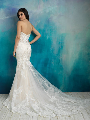 b00be25aa5cba Toronto Bridal Boutique featuring Wedding Dresses and Wedding Gowns