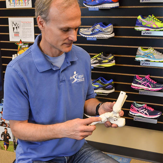 InStep-Running-Physical-Therapy-Store-Milwaukee-Wisconsin-Fitting-Custom