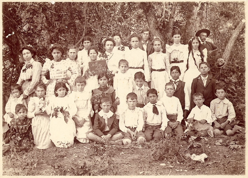 pollys-schoolhouse-1904.png