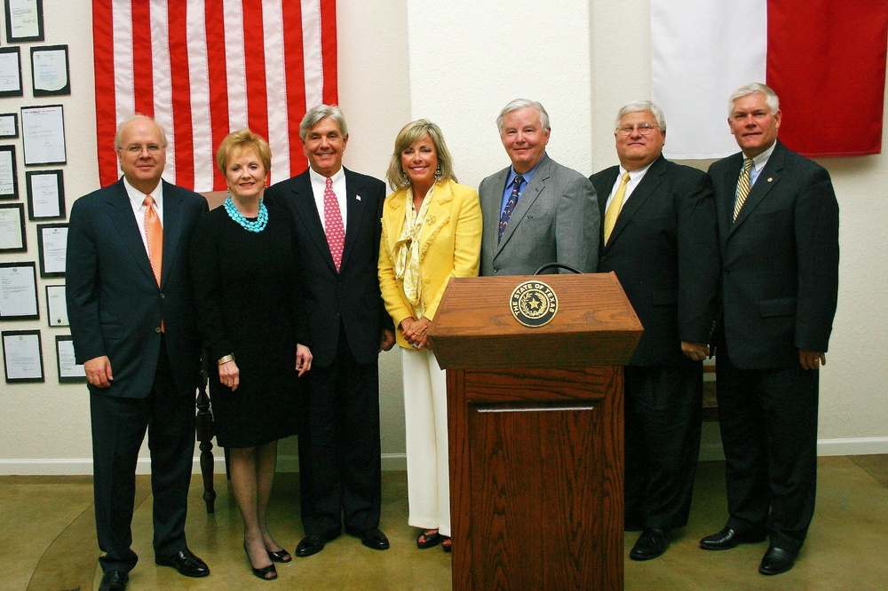 Karl Rove, Congresswoman Kay Granger, Congressmen Roger Williams, Joe Barton, Kenny Marchant, and Pete Sessions at the 2010 Fort Worth RNC event.