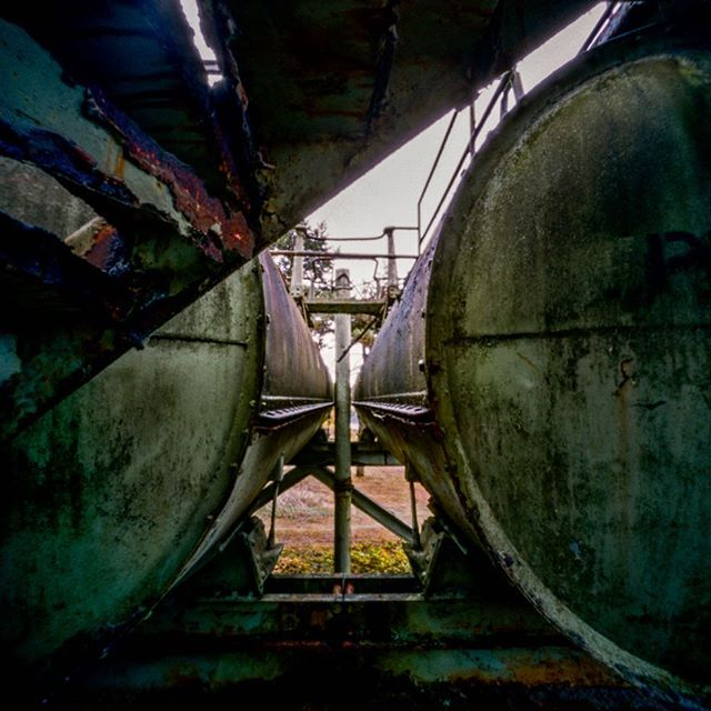 West Linn Paper Mill ⠀ ⠀ Yesterday I consider walking up those stairs… Then I thought again! This is located in the' ancient' boiler area. ⠀ ⠀ ZeroImage Pinhole⠀ Portra 400⠀ ⠀ #AHPhotog