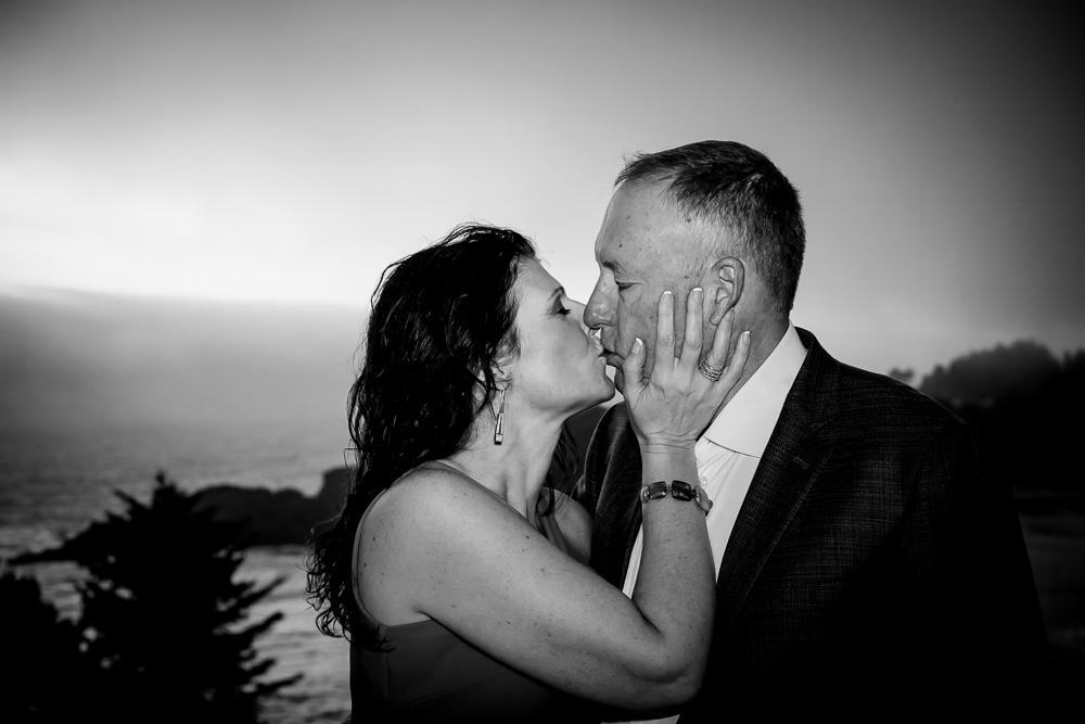Lu & Howard - Destination WeddingEclipse over Depoe Bay