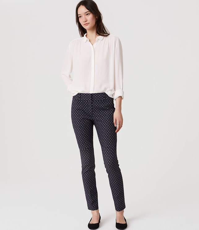 These patterned ankle pants are a great option to go with a neutral blouse. I love the combination here in this image. All that's missing is a jacket, and you would be looking pretty smart.