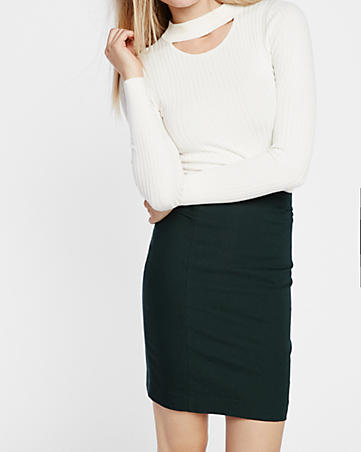 I love a good Pencil Skirt. Fit is key, as with any of these pieces, In my opinion, you can never go wrong with a skirt, unless of course, it is too short. If you decide to wear a skirt to an interview,make sure it is at least finger-tip length, if not longer.