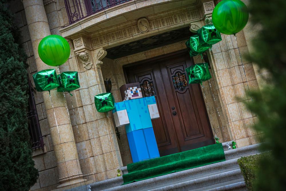 tarynco-events-minecraft-kids-birthday-party-balloons-decor.jpg