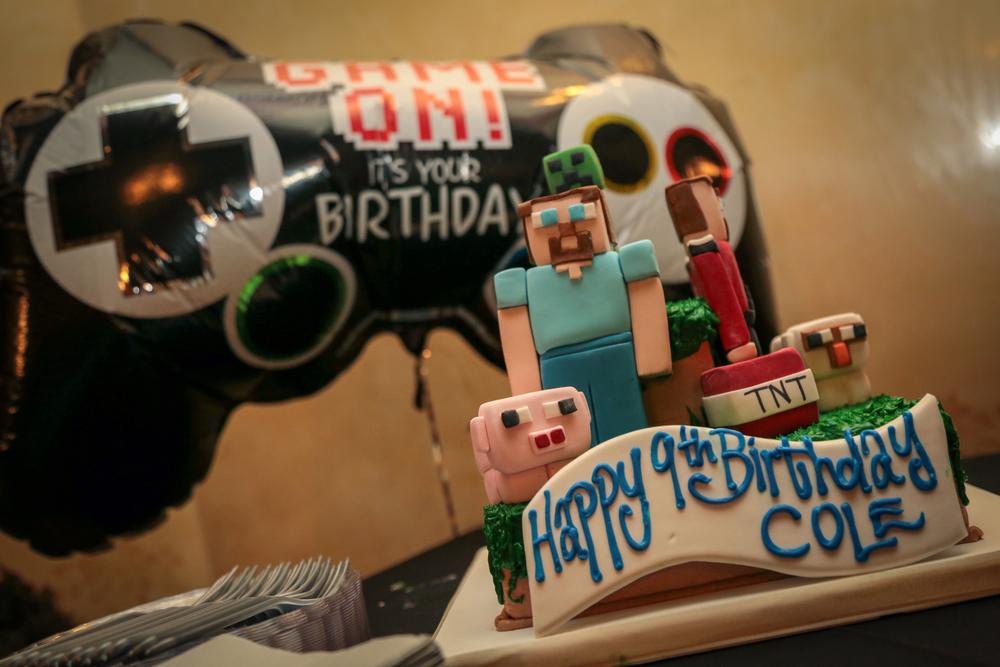 tarynco-events-minecraft-kids-birthday-party-cake.jpg