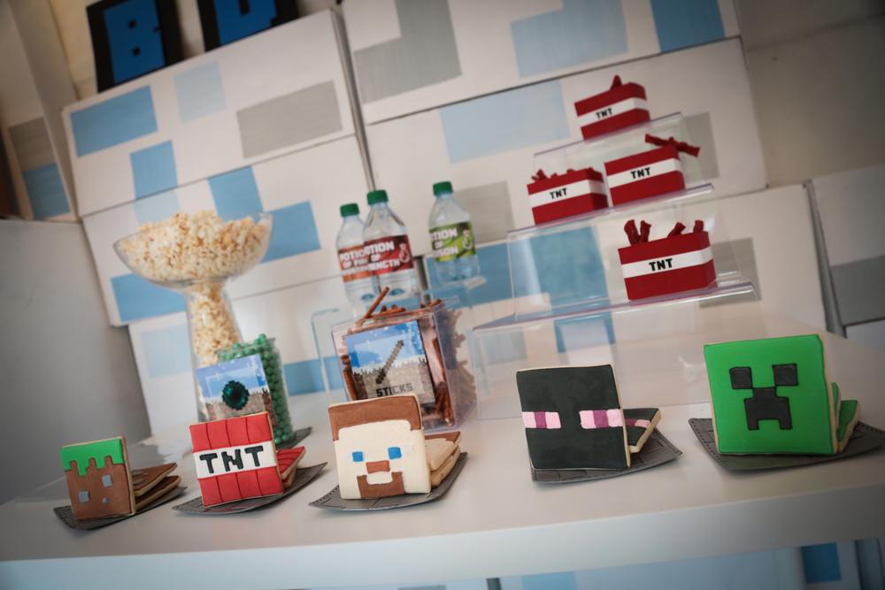 tarynco-events-minecraft-kids-birthday-party-snackbar (3).jpg