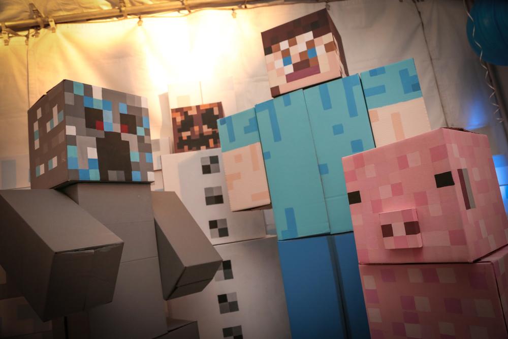 tarynco-minecraft-kids-birthday-party-decor-.jpg