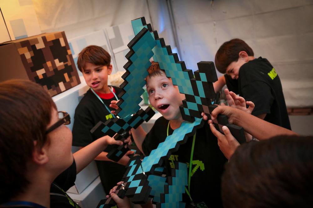 tarynco-minecraft-kids-birthday-party-fun (1).jpg