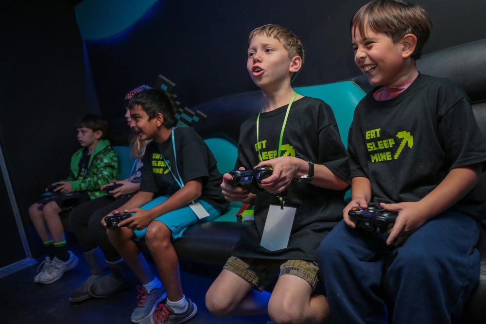 tarynco-minecraft-kids-birthday-party-gamingtruck.jpg