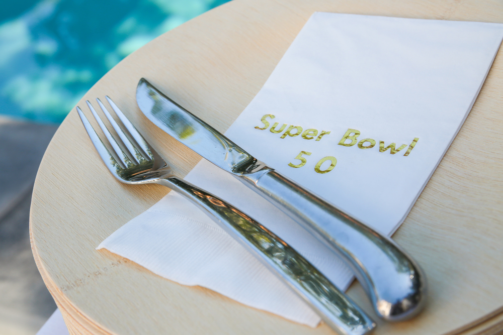 tarynco-superbowl-decor-details-food.jpg