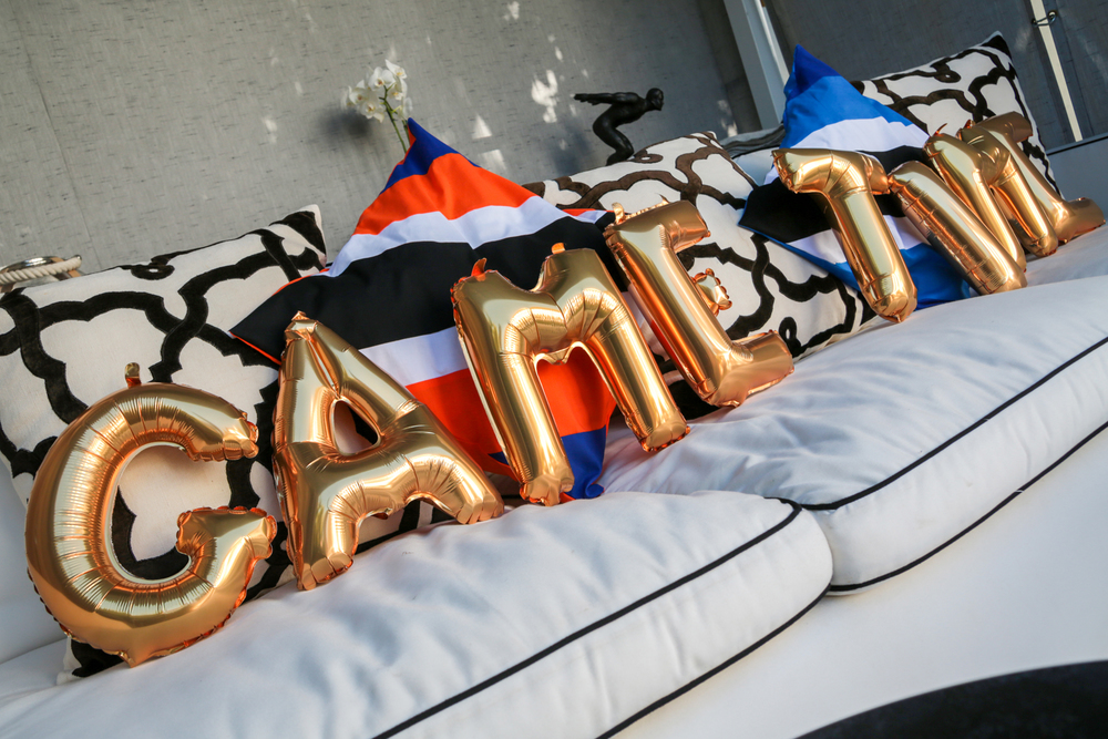 tarynco-football-party-gametime-balloons-decor.jpg