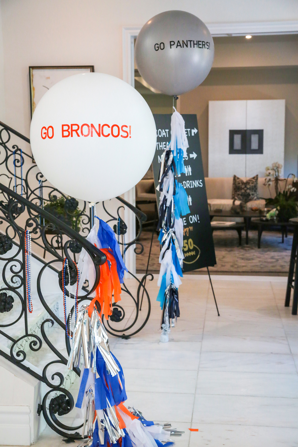 tarynco-balloons-decor-festive-footballparty.jpg