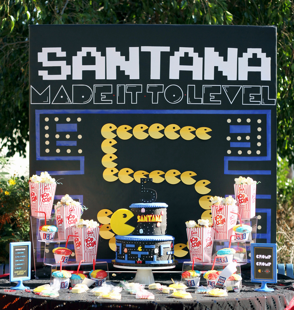 tarynco-events-pacman-backdrop-candybar-kidsparty.jpg