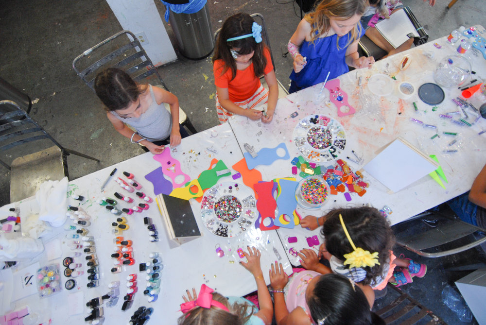 tarynco-events-kids-party-art-carnival-themed-artsandcrafts-station.jpg