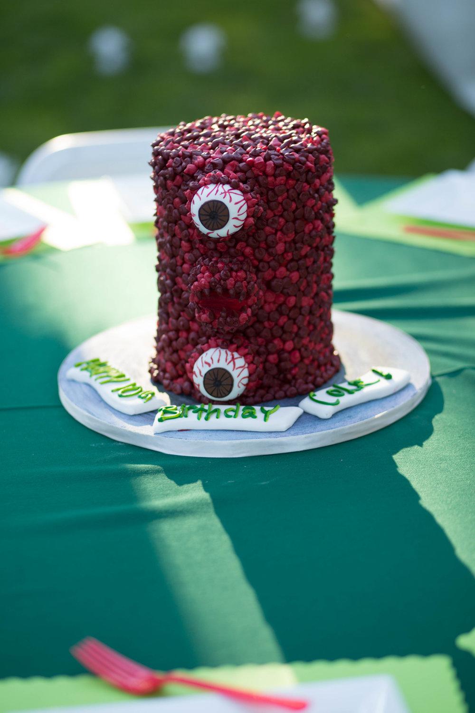 tarynco-gaming.kids.party.beverly.hills.cake.jpg