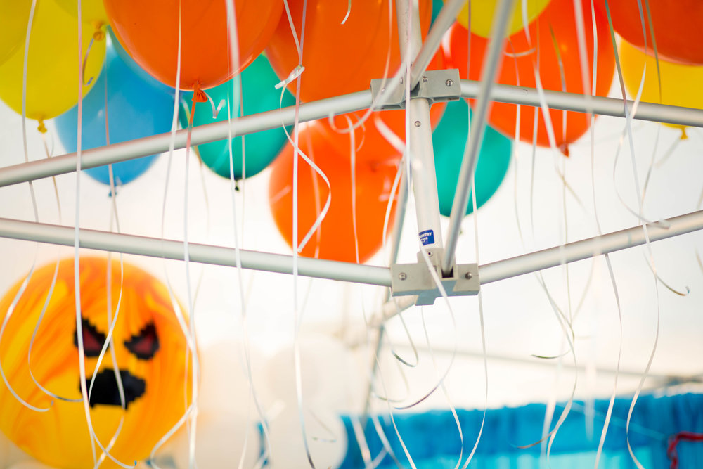 tarynco-gaming.kids.party.beverly.hills.balloons.scary.sun.decor.jpg