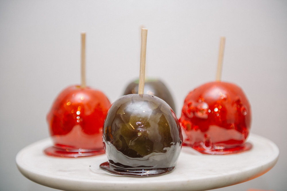 _tarynco_event_planner_Beverly_Hills_HalloweenParty.candied.apples.jpg