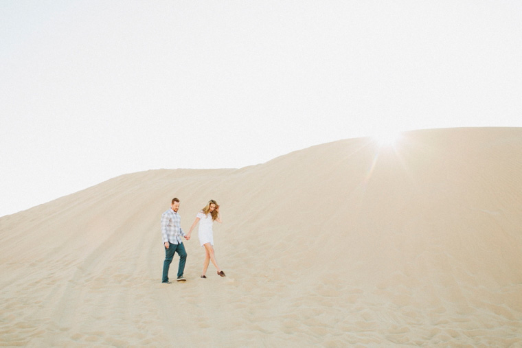 sand-dunes-engagement-03.jpg