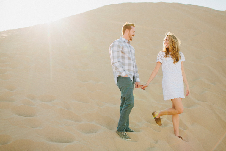 sand-dunes-engagement-04.jpg