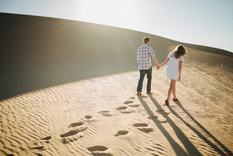 sand-dunes-engagement-05.jpg