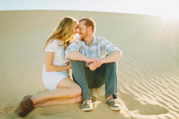 sand-dunes-engagement-08.jpg